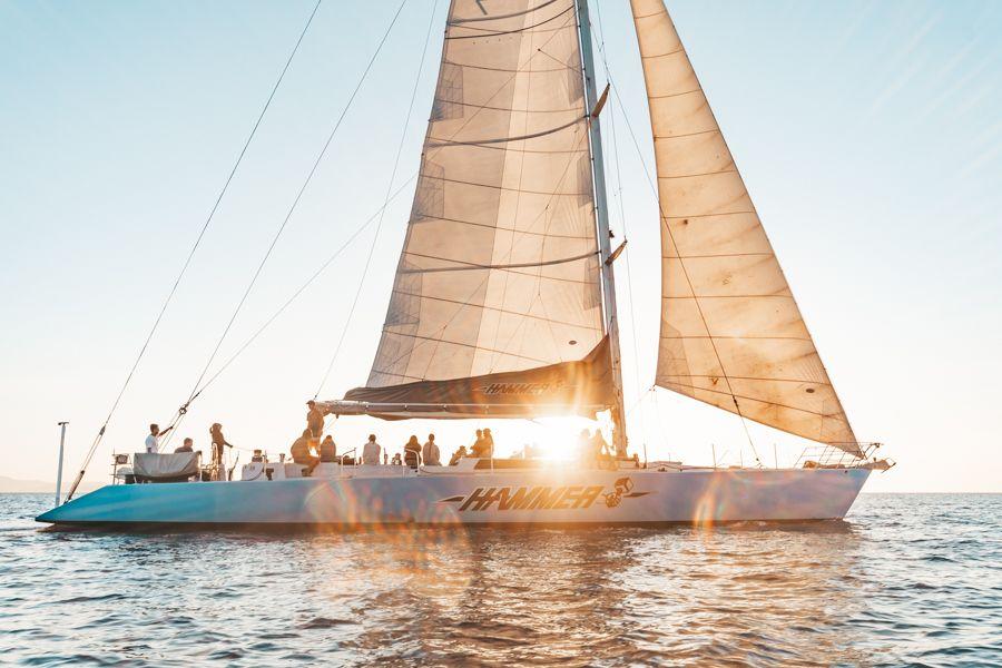 Hammer Sailing in the Whitsundays