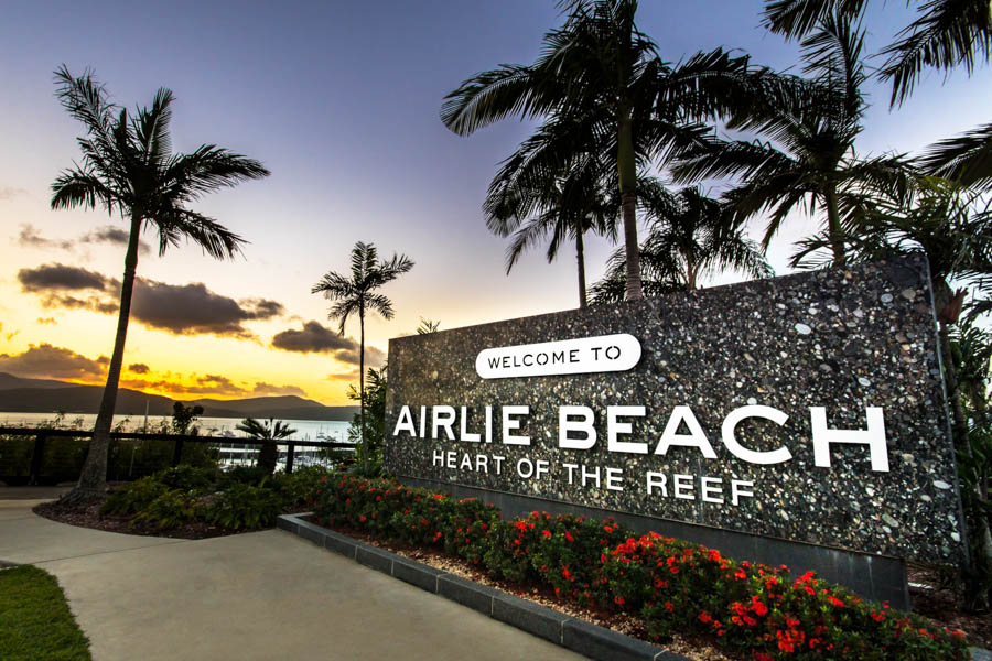 airlie-beach-sign