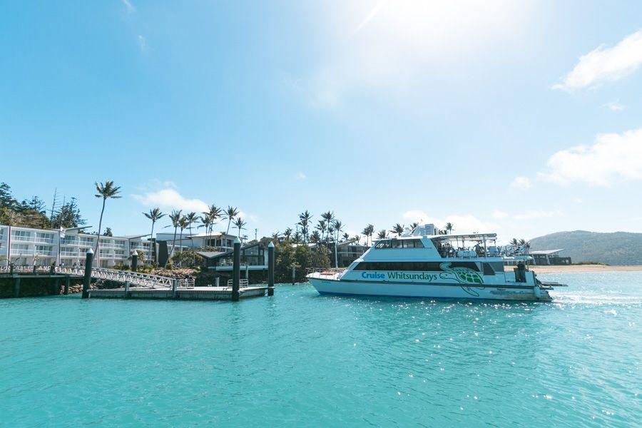cruise whitsundays ferry