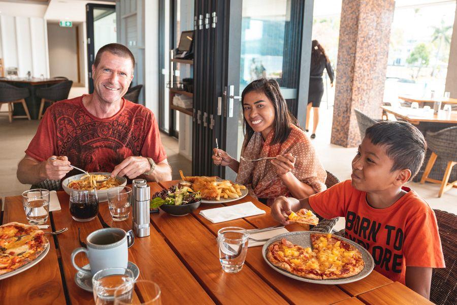 inkstone, restaurant, daydream island