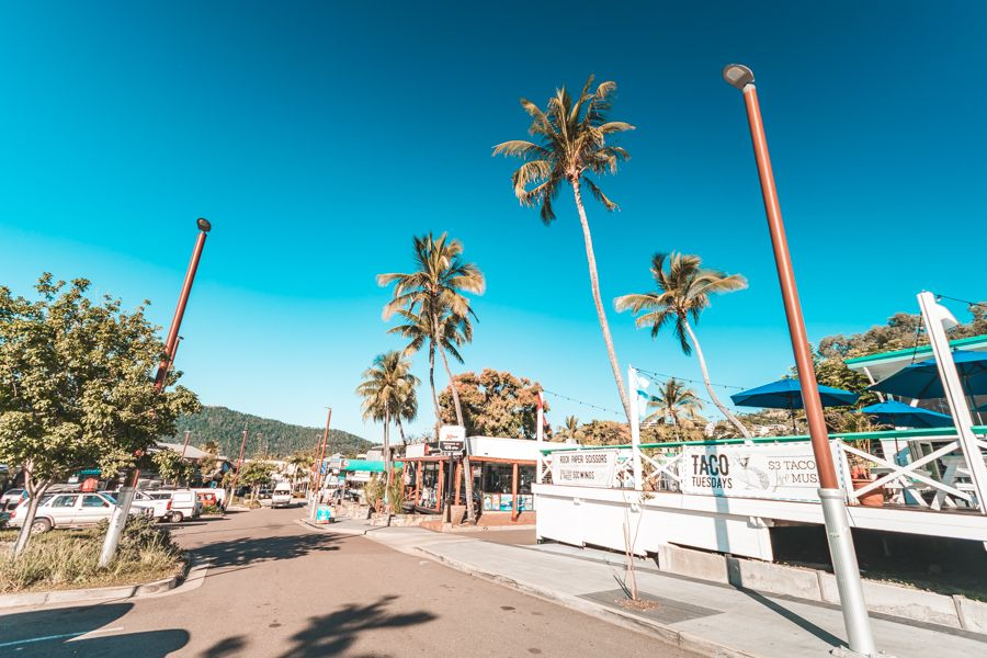 boaties, bar, airlie beach
