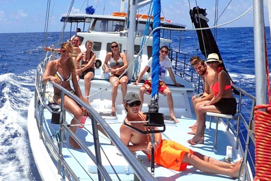 kiana, sailing, outer reef