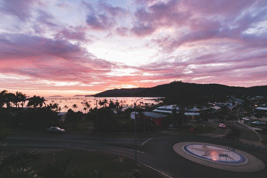 sunrise airlie beach