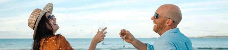 Whitehaven Beach Champagne Couple GEtaway